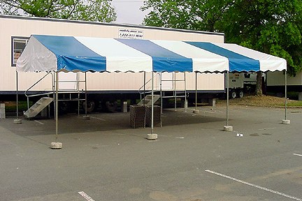 20u0027 x 30u0027 frame tent - 600 sq. foot. 86 person capacity with chairs only 40 person capacity with tables u0026 chairs & Tent Rentals - River City Tents u0026 Awnings
